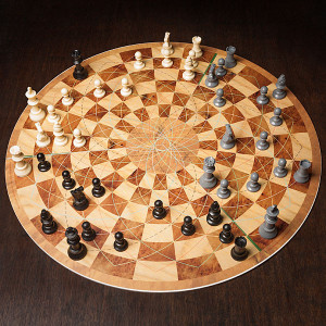 three_player_circular_chess_inplay